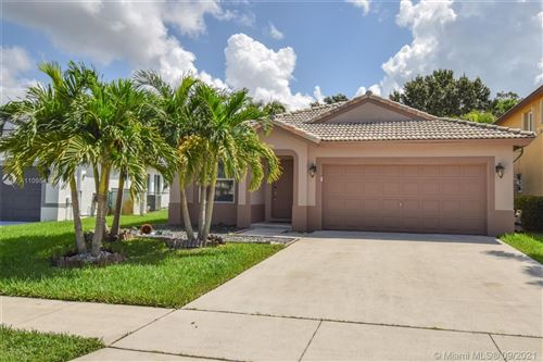 Photo of 2273 NW 208th Ter, Pembroke Pines, FL 33029 (MLS # A11095413)