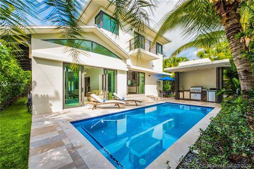 Photo of 4401 N Bay Rd, Miami Beach, FL 33140 (MLS # A10817416)