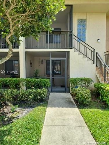 Photo of 398 Lakeview Dr #105, Weston, FL 33326 (MLS # A11028419)