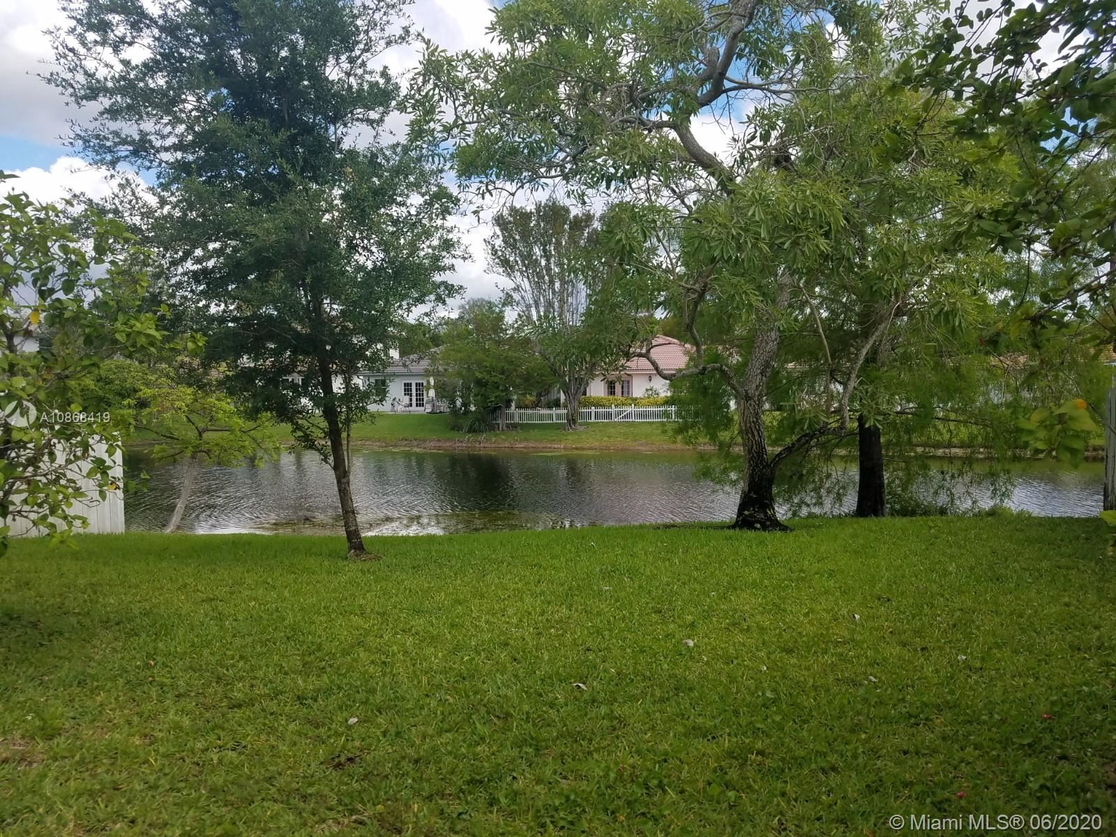 Photo of 7333 NW 1st Pl, Plantation, FL 33317 (MLS # A10868419)