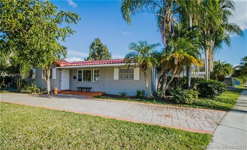 Photo of 1001 N 46th Ave, Hollywood, FL 33021 (MLS # A11078421)