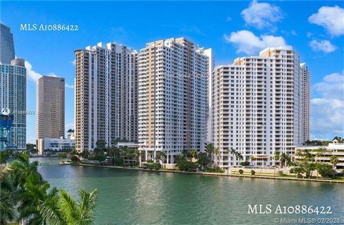 Photo of Listing MLS a10886422 in 801 Brickell Key Blvd #2510 Miami FL 33131