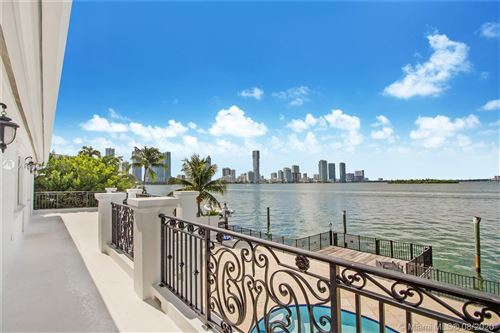 Foto de inmueble con direccion 1001 N Venetian Dr Miami FL 33139 con MLS A10916423