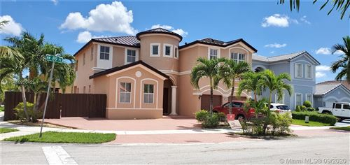 Foto de inmueble con direccion 18167 NW 89th Pl Hialeah FL 33018 con MLS A10920423