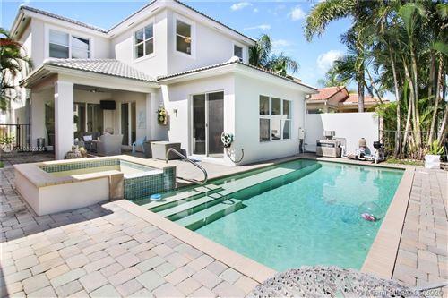 Photo of 207 Isle Verde Way, Palm Beach Gardens, FL 33418 (MLS # A10852424)