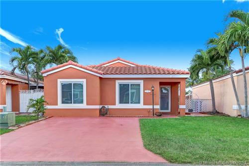 Photo of Listing MLS a10889424 in 17392 SW 142nd Pl Miami FL 33177
