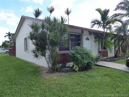 Photo of 7115 SW 154 CT, Miami, FL 33193 (MLS # A10959424)