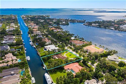 Foto de inmueble con direccion 501 Arvida Pkwy Coral Gables FL 33156 con MLS A10761425