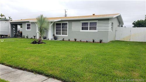 Photo of 1312 SE 1st Ave, Deerfield Beach, FL 33441 (MLS # A10787425)