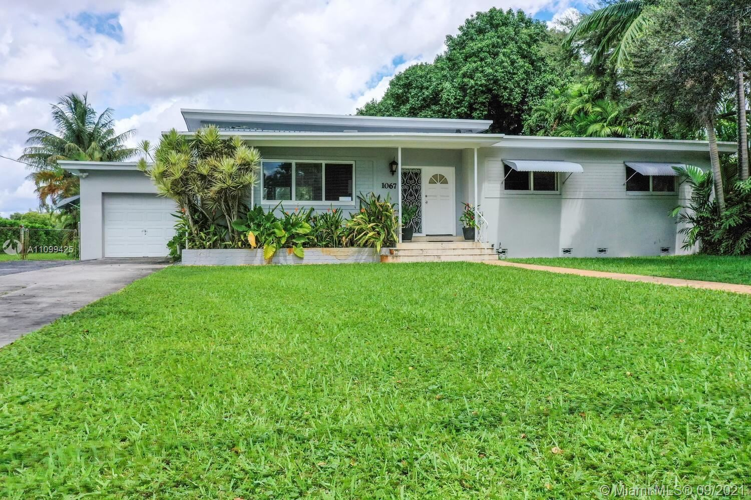 1067 Hunting Lodge Dr, Miami Springs, FL 33166 - #: A11099425