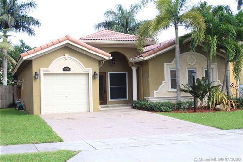Foto de inmueble con direccion 14587 SW 158 Path Miami FL 33196 con MLS A10901427