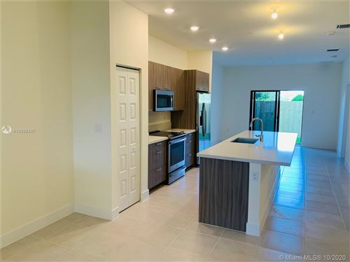Photo of 8151 NW 104 #4, Doral, FL 33178 (MLS # A10928427)
