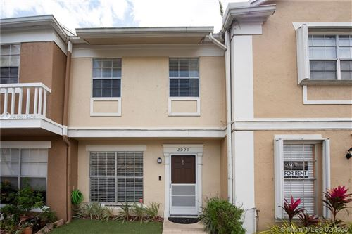 Foto de inmueble con direccion 2929 Cambridge Ln #2929 Cooper City FL 33026 con MLS A10815428