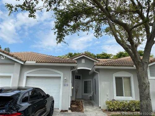 Photo of 4723 SW 12th Pl, Deerfield Beach, FL 33442 (MLS # A11021430)