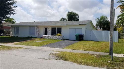 Foto de inmueble con direccion 15210 SW 109th Ave Miami FL 33157 con MLS A10825431