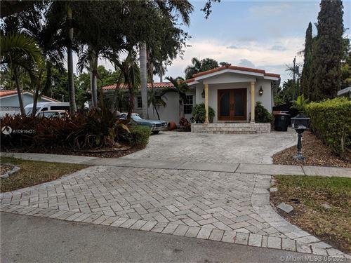 Foto de inmueble con direccion 2020 Alamanda Dr North Miami FL 33181 con MLS A10916431