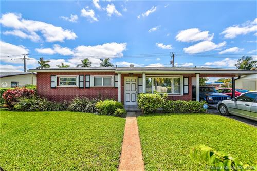 Photo of 6570 Tyler St, Hollywood, FL 33024 (MLS # A10840435)