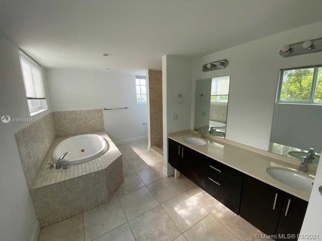 1656 Hayes St, Hollywood, FL 33020 - #: A10939435