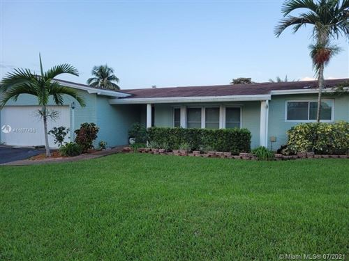 Photo of 431 NW 96th Ave, Pembroke Pines, FL 33024 (MLS # A11077436)