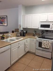 Foto de inmueble con direccion 9333 SW 227th St #5-6 Cutler Bay FL 33190 con MLS A10690437
