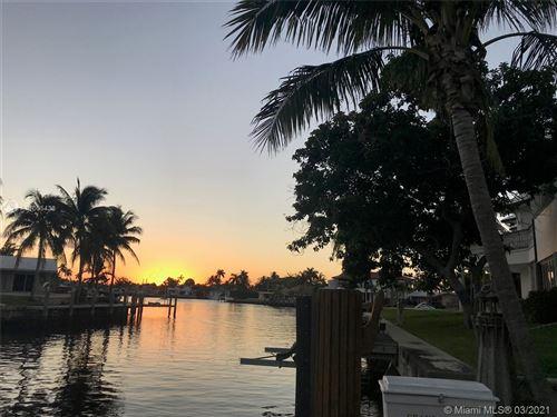 Photo of 570 SE 12th St, Pompano Beach, FL 33060 (MLS # A11005438)