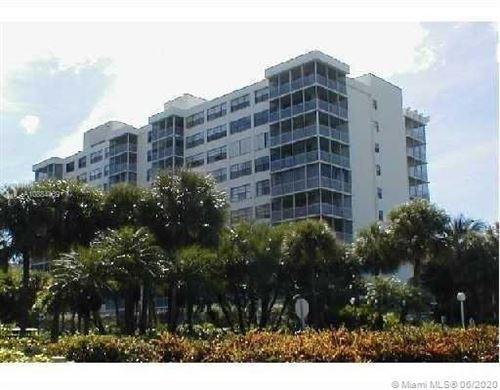 Photo of 150 Ocean Lane Dr #9C, Key Biscayne, FL 33149 (MLS # A10884439)