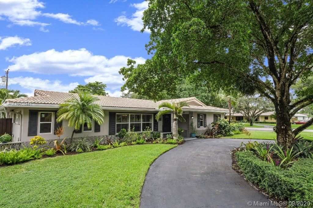 Photo of 800 NW 73rd Ter, Plantation, FL 33317 (MLS # A10928441)