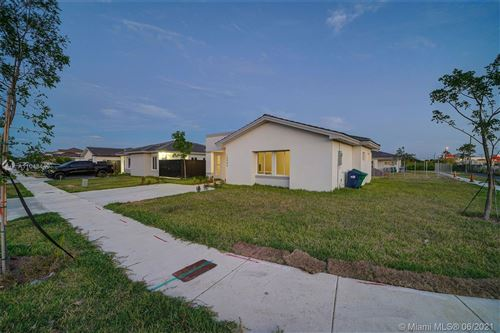 Photo of 15986 SW 307th Ter, Homestead, FL 33033 (MLS # A11048449)