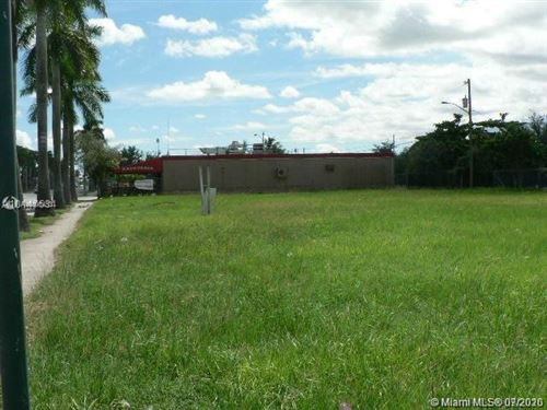 Foto de inmueble con direccion 422 S Krome Ave Homestead FL 33030 con MLS A10893453