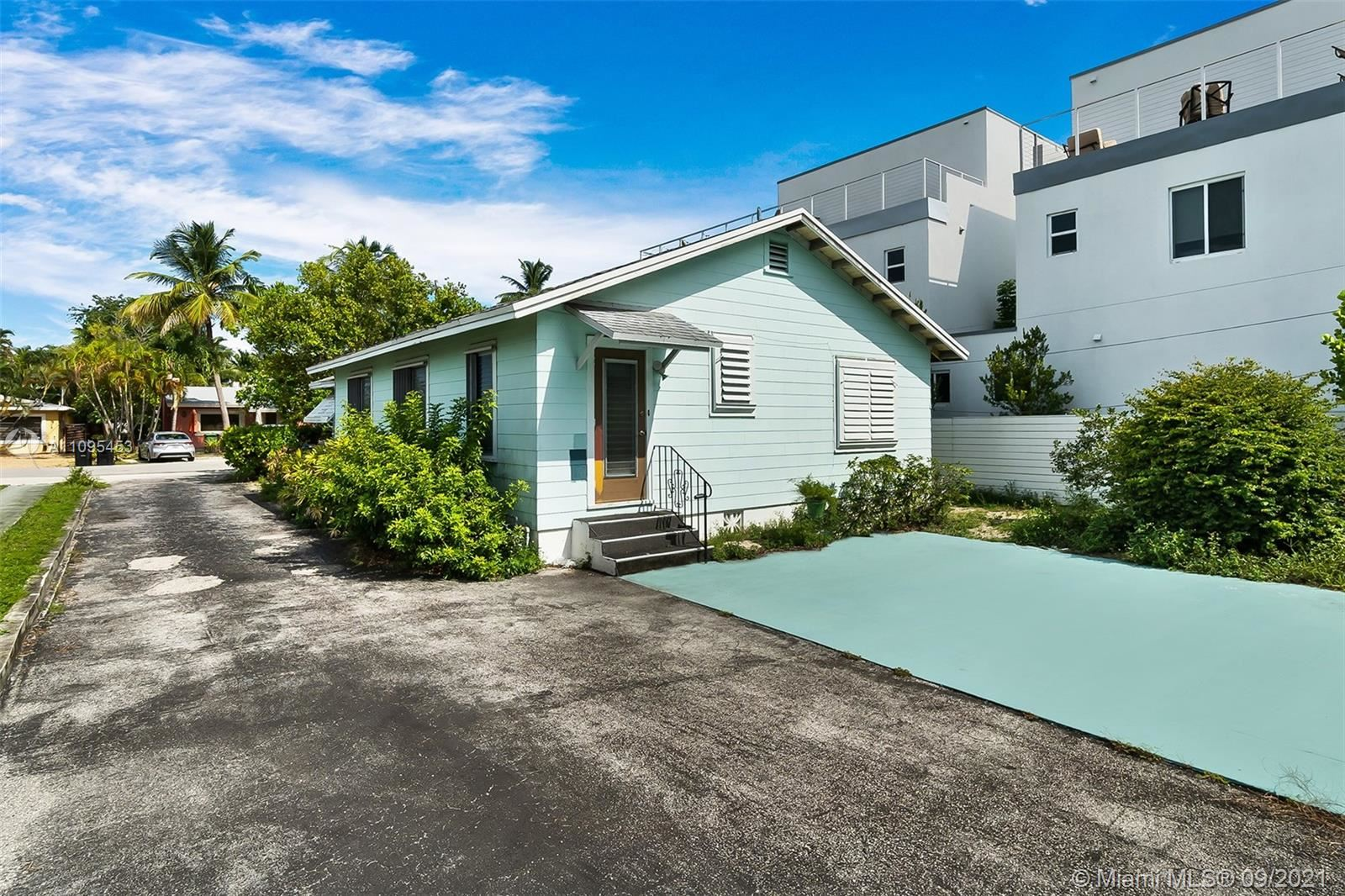 Photo of 805 NE 16th Ter, Fort Lauderdale, FL 33304 (MLS # A11095453)