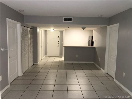 Photo of 2642 Collins Ave #309, Miami Beach, FL 33140 (MLS # A10943454)