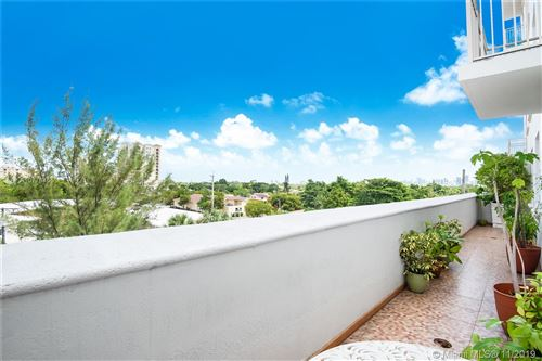 Photo of 2030 S Douglas Rd #422, Coral Gables, FL 33134 (MLS # A10776455)