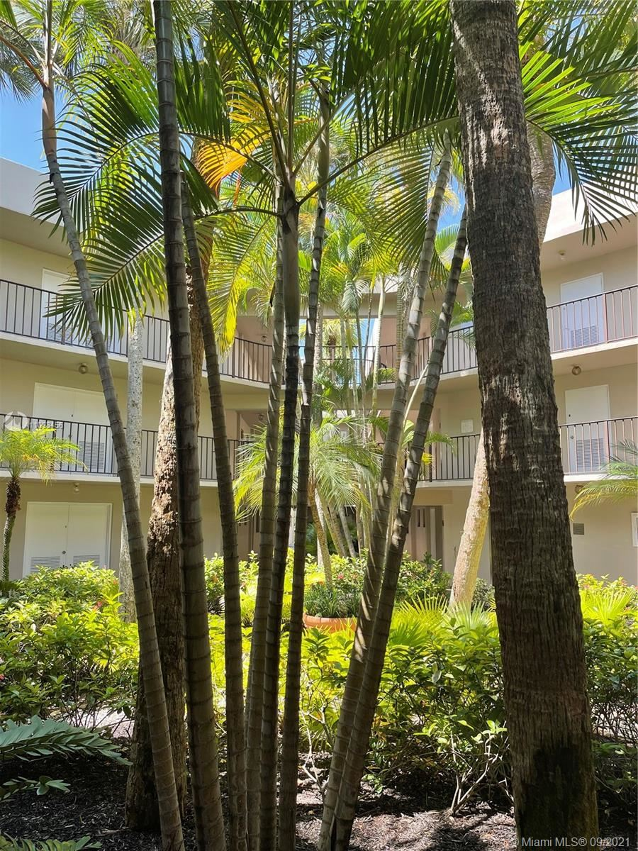 5220 Las Verdes Cir #109, Delray Beach, FL 33484 - #: A11093456