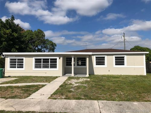 Photo of Listing MLS a10804458 in 581 NW 183rd Ter Miami Gardens FL 33169