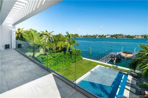 Foto de inmueble con direccion 1411 Stillwater Dr Miami Beach FL 33141 con MLS A10840458