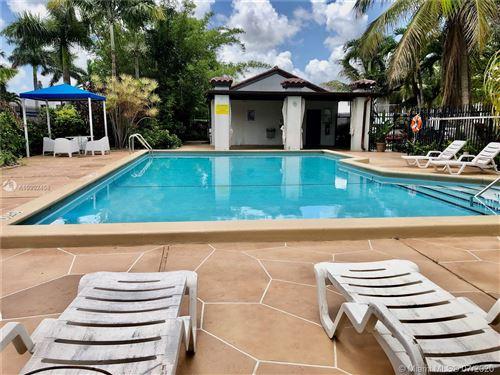 Foto de inmueble con direccion 9409 Fontainebleau Blvd #213 Miami FL 33172 con MLS A10902458
