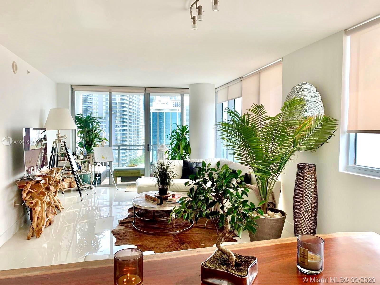92 SW 3rd St #2305, Miami, FL 33130 - #: A10919458
