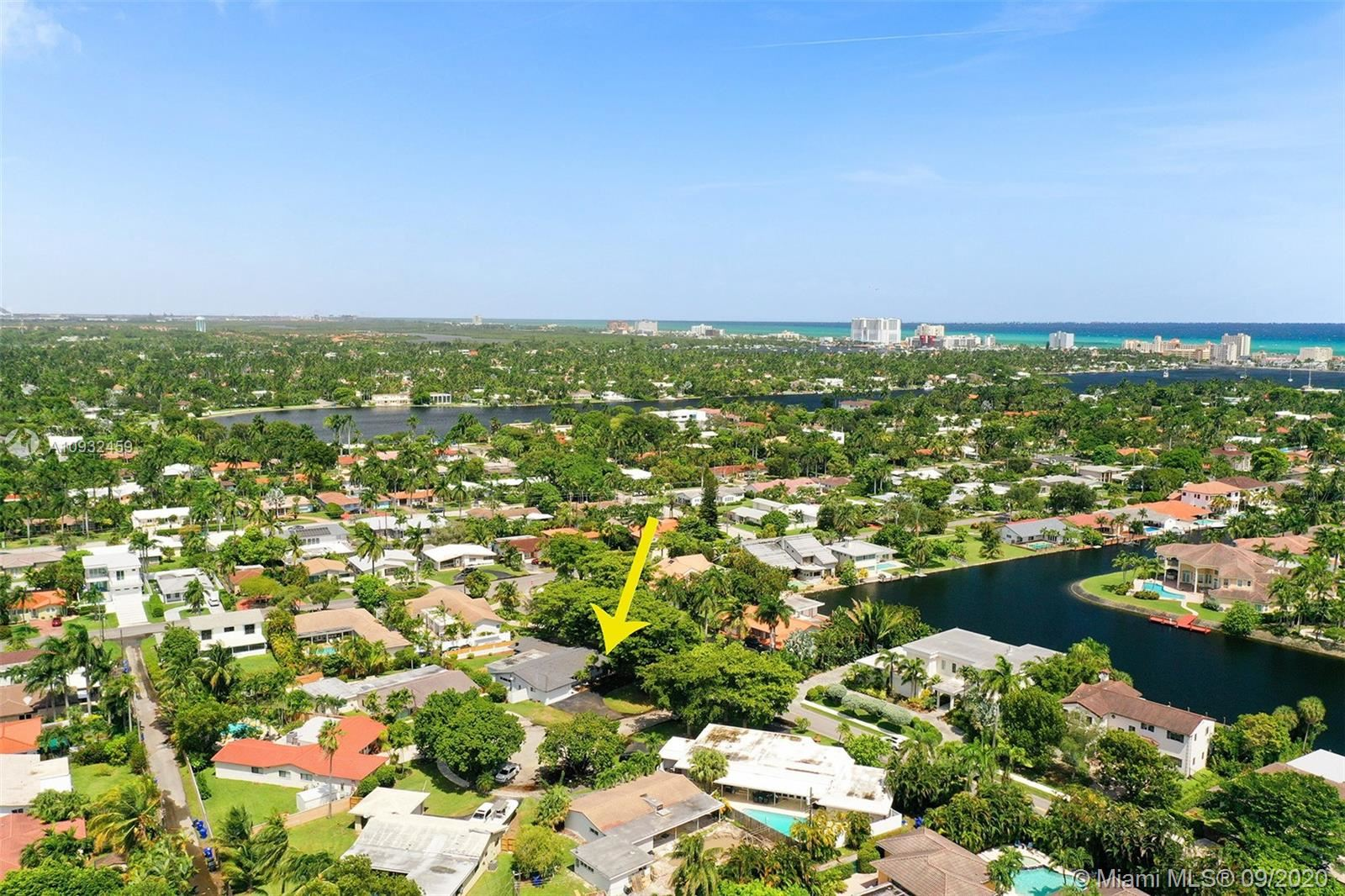 Photo of 920 Diplomat Pkwy, Hollywood, FL 33019 (MLS # A10932459)