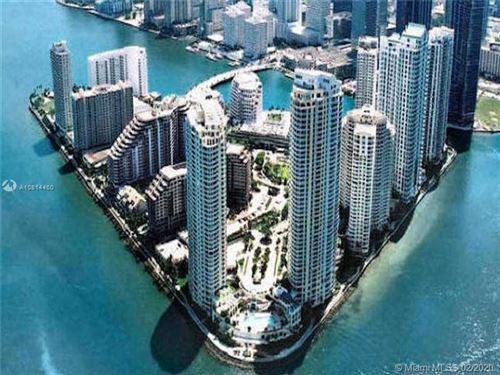 Foto de inmueble con direccion 540 Brickell Key Dr #403 Miami FL 33131 con MLS A10814460