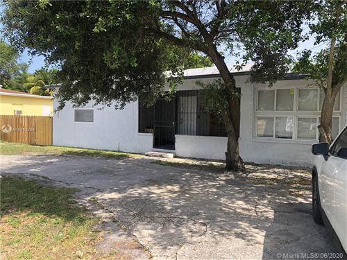 Photo of 640 NE 145th St #Rear, North Miami, FL 33161 (MLS # A10884460)