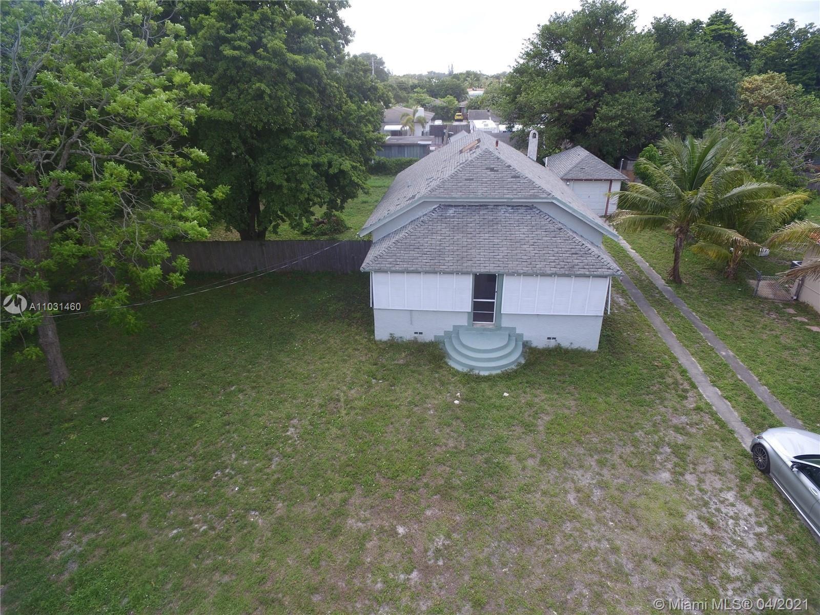 Photo of 120 SW 1st Ave, Hallandale Beach, FL 33009 (MLS # A11031460)