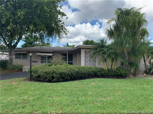Photo of 2041 NE 59th Pl, Fort Lauderdale, FL 33308 (MLS # A10757461)