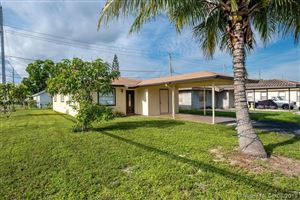 Photo of Listing MLS a10725462 in 298 NE 35th ct Oakland Park FL 33334