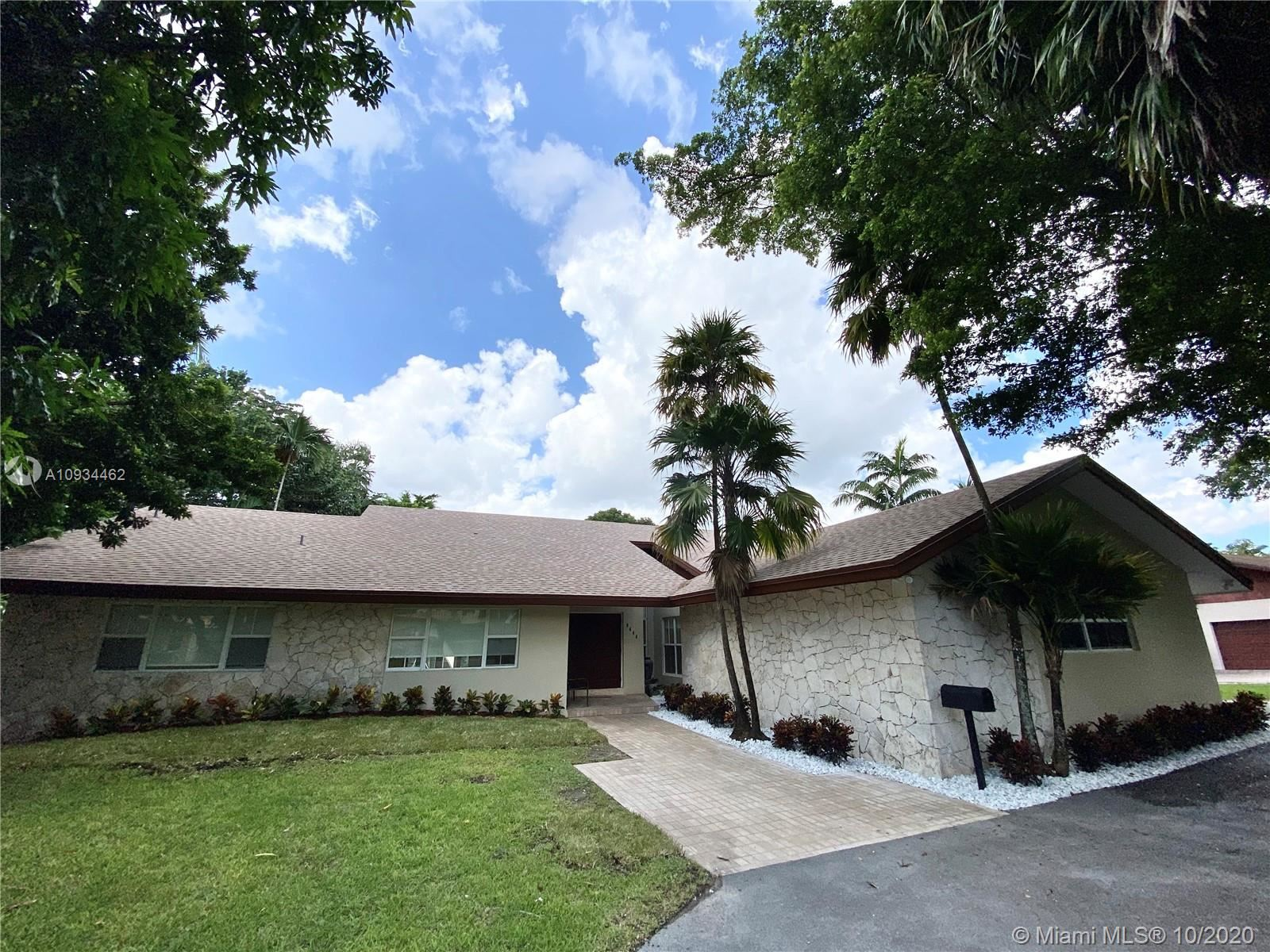 9444 SW 69th Ct, Pinecrest, FL 33156 - #: A10934462