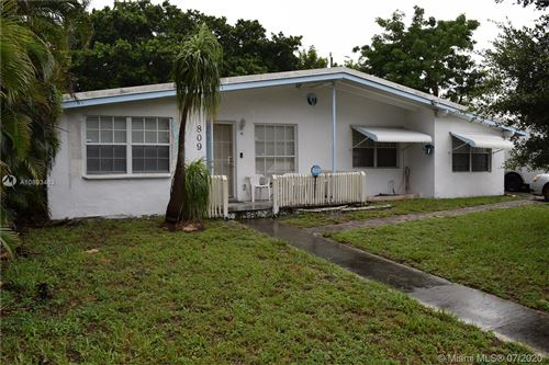 Photo of Listing MLS a10893463 in 809 S Arnold Ave Lantana FL 33462