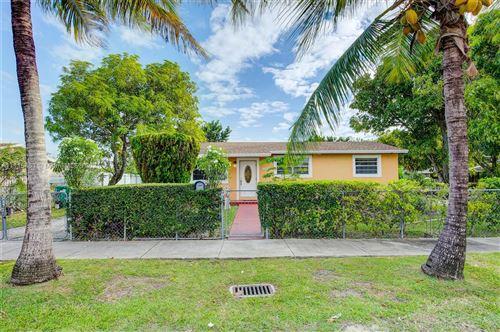Photo of 11430 SW 196th Ter, Miami, FL 33157 (MLS # A11115463)