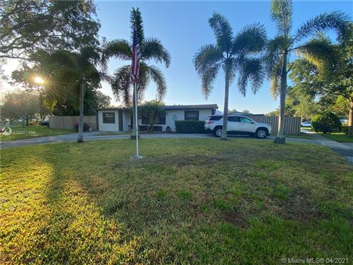 Photo of 5102 SW 92nd Ter, Cooper City, FL 33328 (MLS # A11027464)
