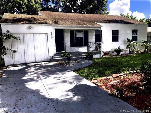 Photo of 5831 SW 60th St, Miami, FL 33143 (MLS # A11085464)
