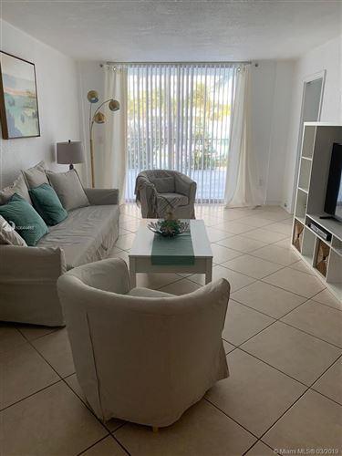 Foto de inmueble con direccion 9273 Collins Ave #106 Surfside FL 33154 con MLS A10644466