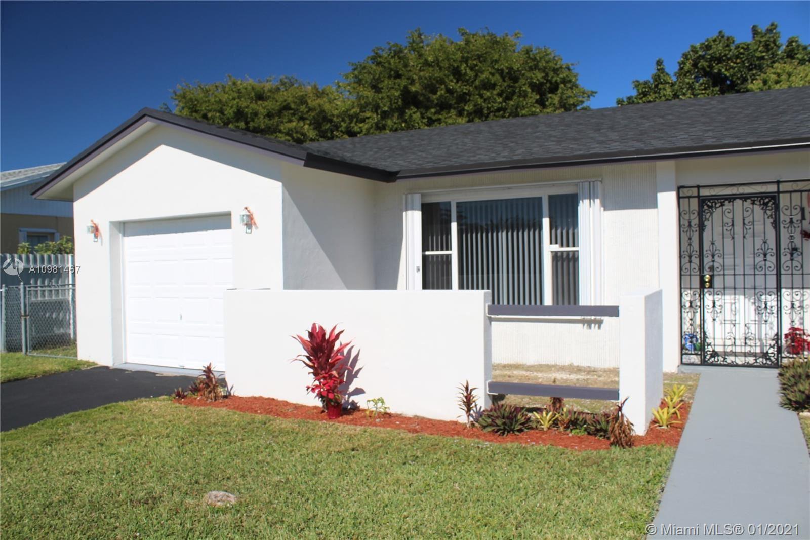 11105 SW 156th Ter, Miami, FL 33157 - #: A10981467